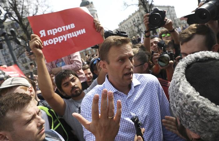 Навального отпустили из полиции до суда