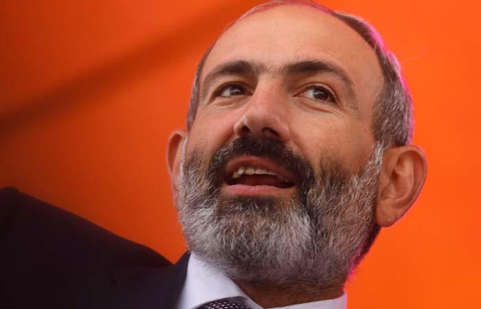 Пашинян поблагодарил Путина за позицию Москвы во время кризиса в Армении