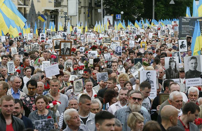 На Украине полиция насчитала почти 500 тыс. человек на акциях 9 мая