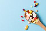 В Госдуме решили исключить из законопроекта о контрсанкциях запрещение американских лекарств