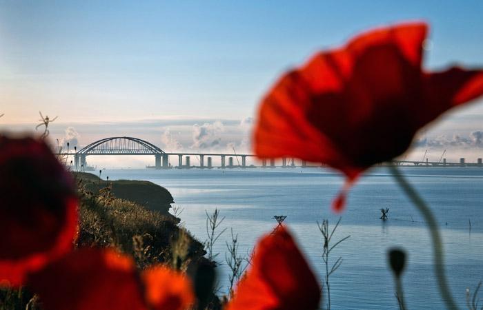 Автодорожная часть Крымского моста официально открыта