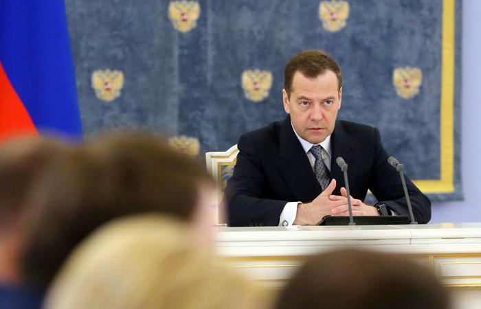 Медведев утвердил распределение обязанностей между своими заместителями