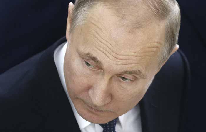 Путин отказался комментировать референдум о своем пожизненном президентстве