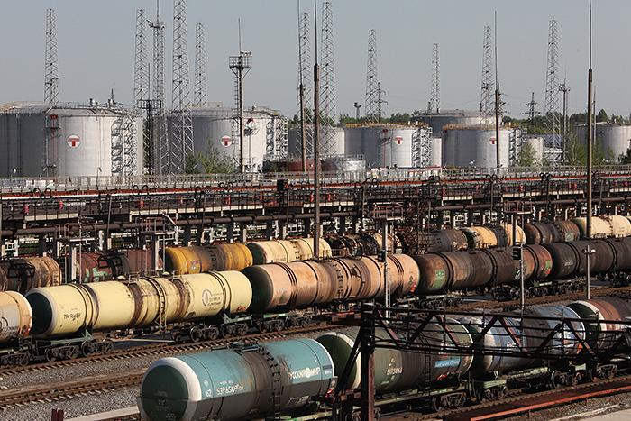 Нефтекомпании увеличат продажи топлива на 3% по доступным для независимых АЗС ценам