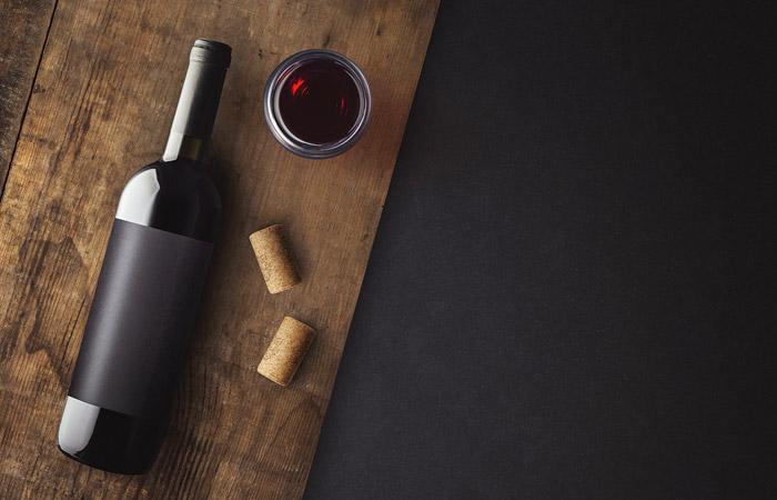Титов предложил ввести сбор на импортные вина