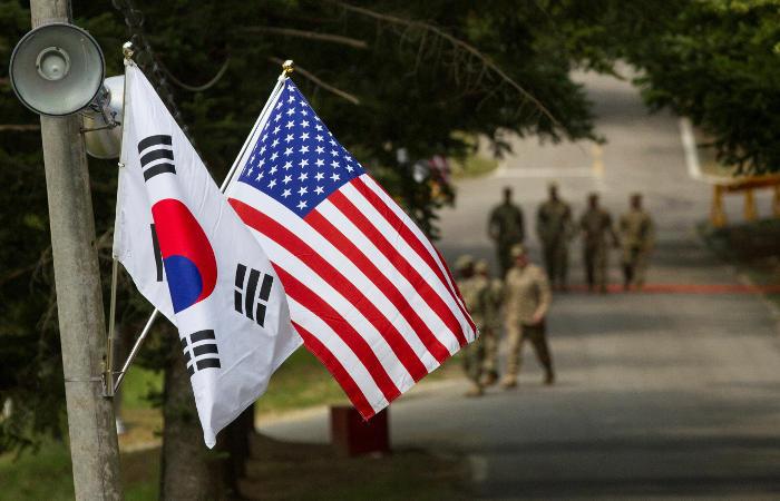 Глава Пентагона подтвердил Южной Корее и Японии обязательства США
