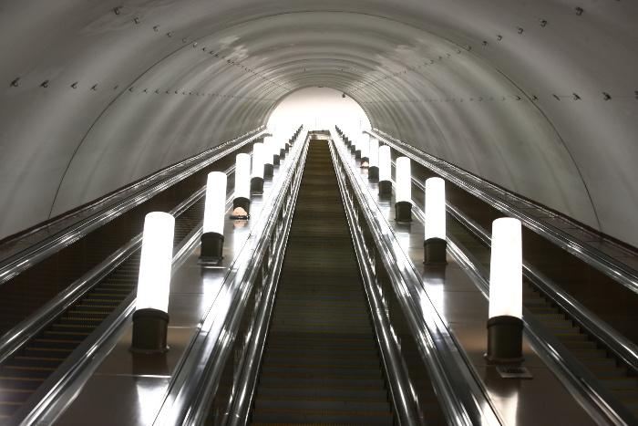 Вестибюли четырех станций московского метро закрылись до понедельника