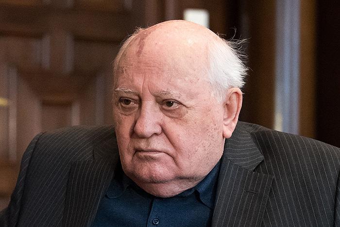 """Михаил Горбачев: встречаться всегда лучше, чем обмениваться """"любезностями"""""""