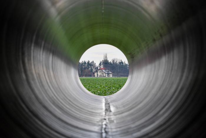 Еще одна европейская страна готовится заблокировать газопровод В. Путина  вобход Украины