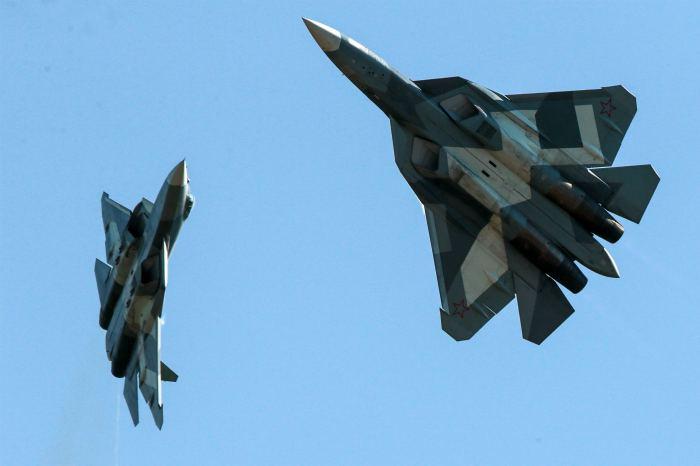 В Минобороны назвали сроки поставки первых истребителей Су-57