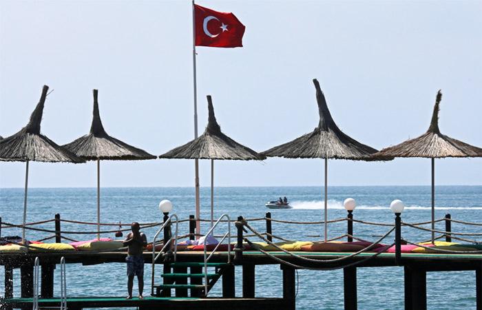 """Глава """"Натали Турс"""" заявил о вымогательстве денег у клиентов в Турции"""