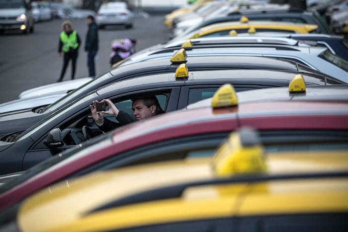 Британца опоили и обокрали в одном из такси Москвы