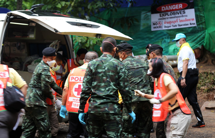В Таиланде из затопленной пещеры вывели 8 из 13 человек