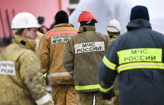"""Коллеги начальника тушения пожара в """"Зимней вишне"""" угрожали потерпевшим"""