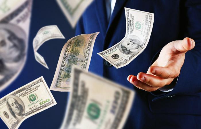 Чистый отток капитала из РФ I полугодии вырос до $17,3 млрд