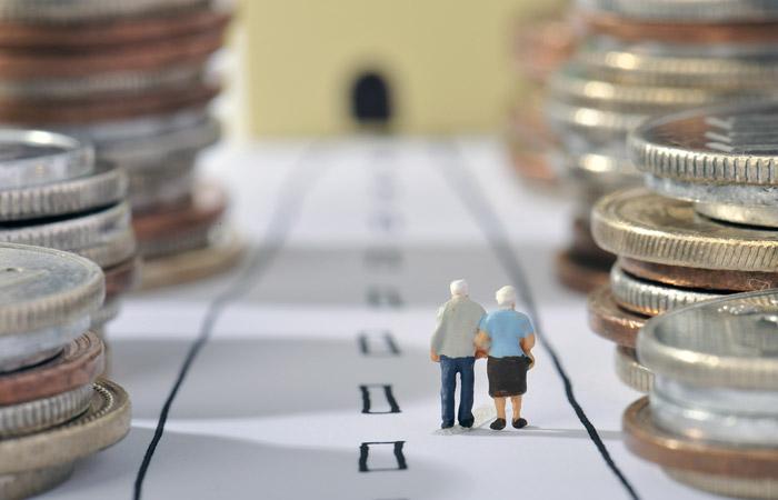 В Минтруде сочли недостижимым обещанный рост пенсий при более мягких изменениях закона
