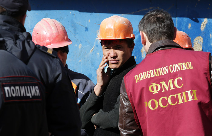 Минтруд призвал увязать пенсионную реформу с коррекцией миграционной политики