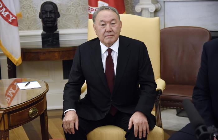 Назарбаев будет пожизненно возглавлять Совбез Казахстана— Вечный председатель