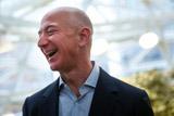 Глава Amazon Джеф Безос стал самым богатым человеком в истории