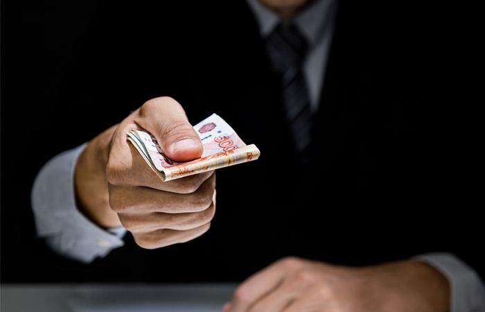 Экс-главе ГСУ СКР по Москве Дрыманову предъявлено обвинение в коррупции