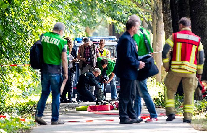 В Германии предъявили обвинения напавшему на автобус мужчине