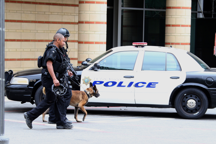 В Лос-Анджелесе арестован захвативший заложников вооруженный мужчина