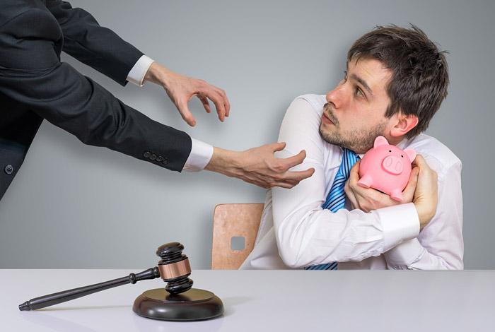 Приставы предложили обязать работодателей сообщать о должниках