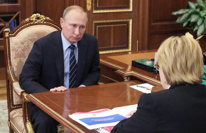 Путин одобрил представленную Скворцовой программу борьбы с онкологией