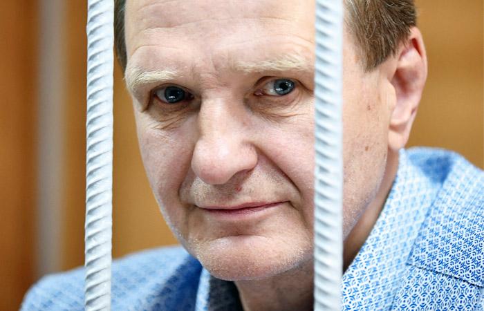 Суд арестовал бывшего замглавы МЧС Шлякова по делу о мошенничестве