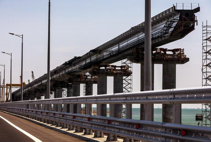 ЕС ввел санкции против двух компаний Ротенберга за строительство моста в Крым