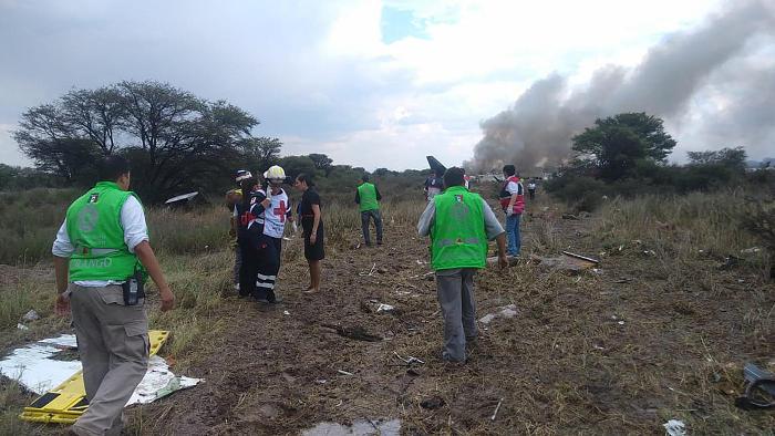 Почти 50 человек пострадали в результате аварии самолета в Мексике