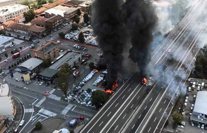 Вероятной причиной взрыва у аэропорта Болоньи назвали аварию грузовика