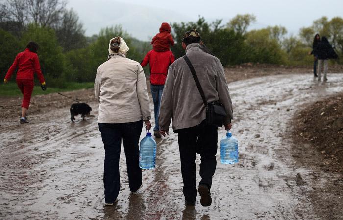 Медведев поручил решить проблему дефицита воды в Крыму с привлечением Минобороны