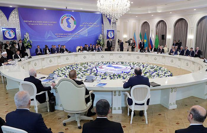 Главы стран Каспийской пятерки подписали конвенцию по Каспию
