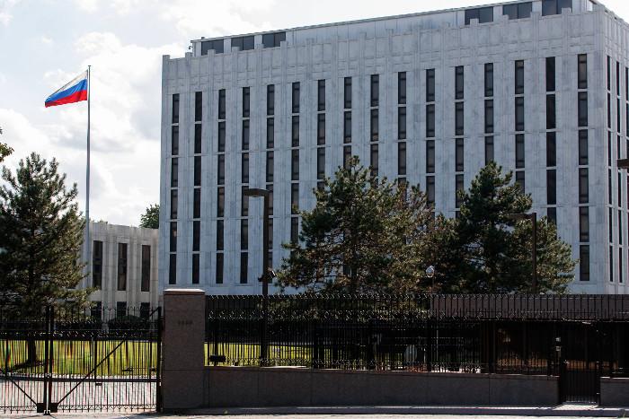 """Посольство РФ назвало инсинуациями заявления о """"русском следе"""" в беспорядках в Шарлотсвилле"""