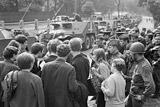 Россияне скорее одобрили ввод советских войск в Чехословакию в 1968 году