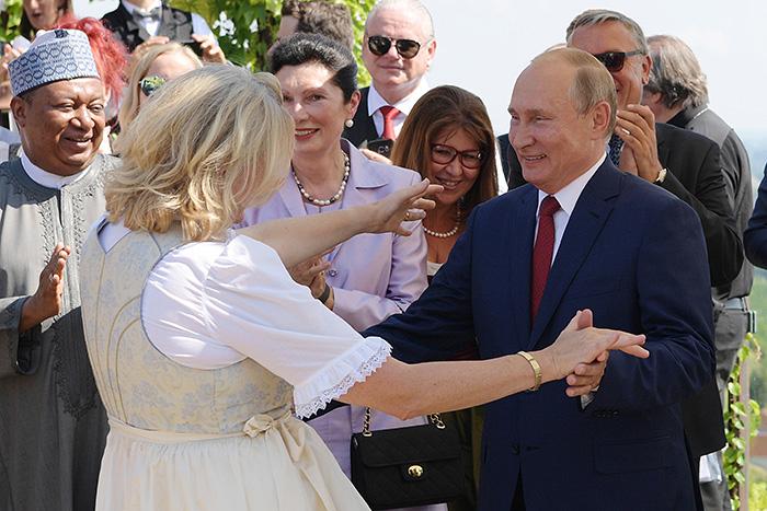Путин рассказал о своей поездке в Австрию на свадьбу