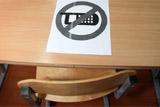 Министр просвещения РФ одобрила идею запрещать смартфоны в школах