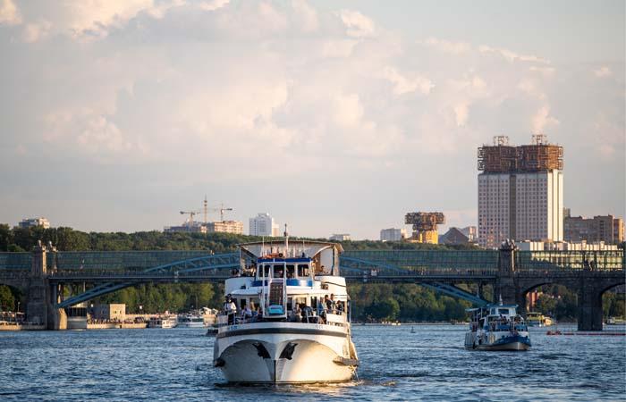 СК подтвердил факт столкновения двух теплоходов на Москве-реке