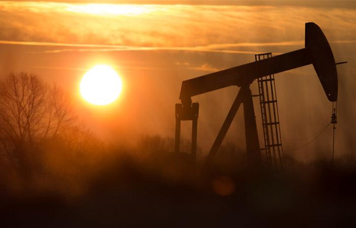 Цена нефти Brent превысила $80 за баррель впервые с мая