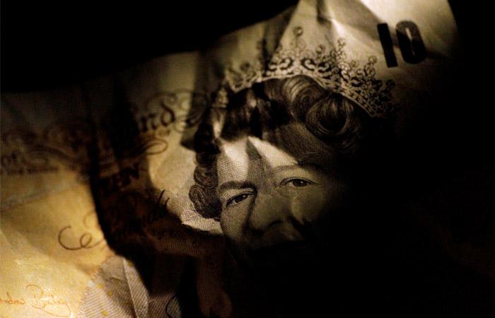 """Великобритания усилит борьбу с поступающими из России """"грязными"""" деньгами"""