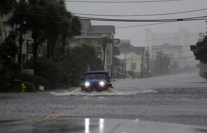 """Четыре человека стали жертвами урагана """"Флоренс"""" в Северной Каролине"""