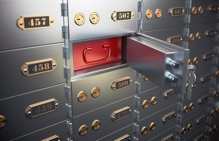 Сбербанк не рассматривал конвертацию валютных депозитов в рубли в случае новых санкций