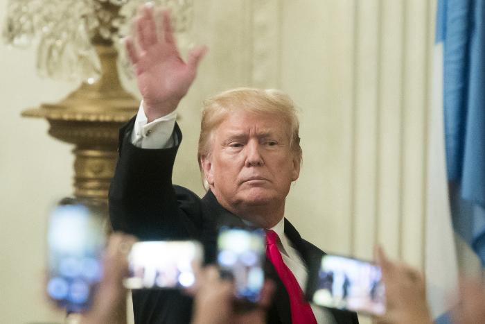 Трамп поручил рассекретить ряд документов по изучению  вмешательстваРФ