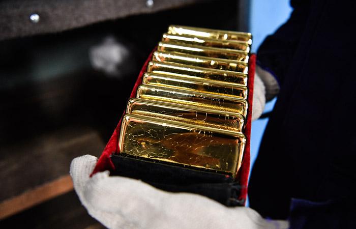 Объем запасов золота в резервах РФ вырос до 2 тысяч тонн