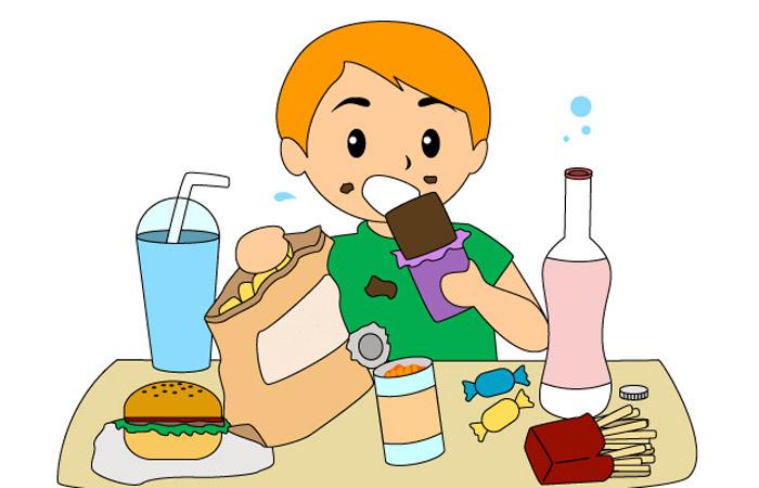 В Госдуме предложили законодательно запретить в школах газировку и чипсы