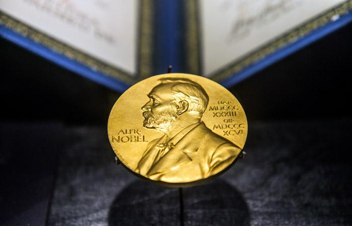 Нобелевскую премию присудили заизобретения вобласти лазерной физики