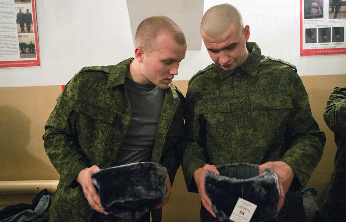 Российская армия начала избавляться от ушанок и пилоток