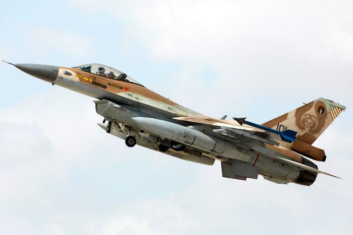 Израильские истребители совершили полеты вблизи Сирии впервые после поставки С-300 из РФ