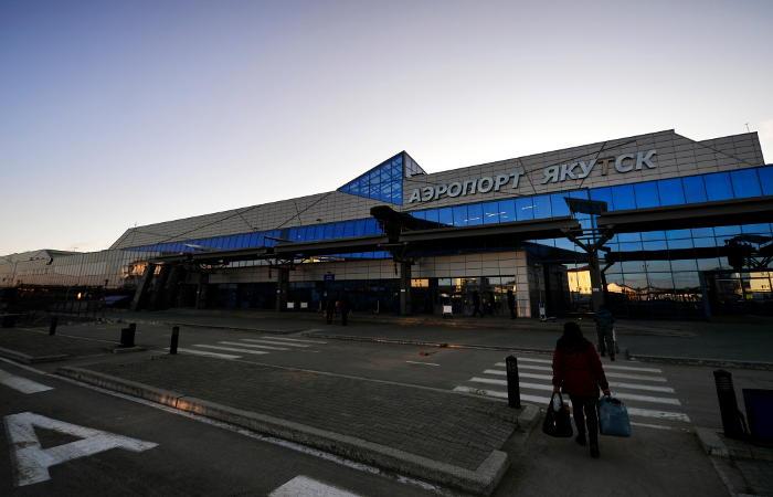 Пострадавшие после инцидента с самолетом в Якутске доставлены в больницу